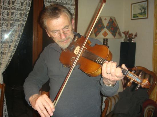 Jean au violon