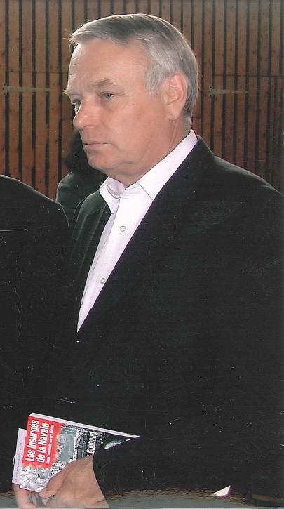 Jean-Marc-Ayrault-avec-LES INSURGES DE LA NAVALE.png